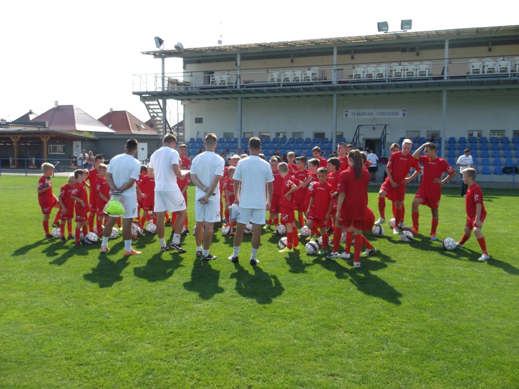 Po 16.00 hod. už sa absolventom Kempu Jána Vlaska venovali profesionálni mládežnícki tréneri.