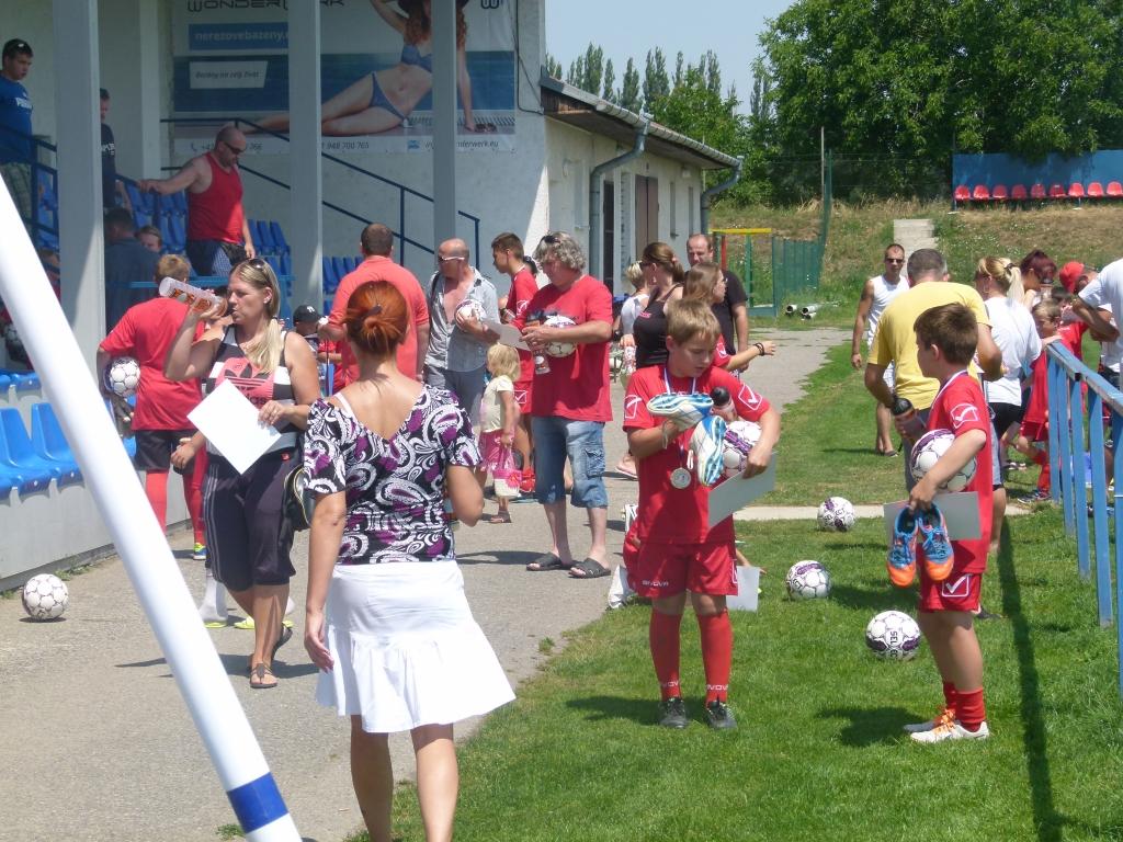 Rodičia si vyzdvihli deti priamo na ihrisku po Olympiáde, odkiaľ s nimi išli na ubytovňu pre veci.